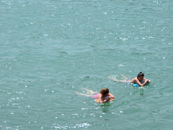 Swimming in the Rhin river