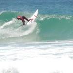 Surfeur à Dee Why, plage au Nord de Sydney