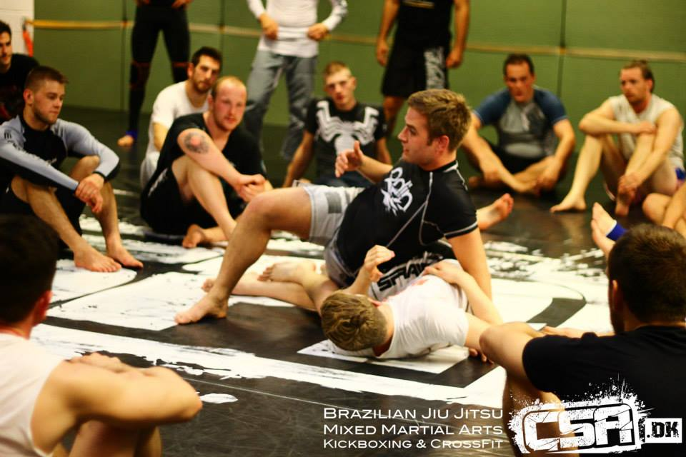 Kári Gunnarsson instructeur au camp BJJ Globetrotters