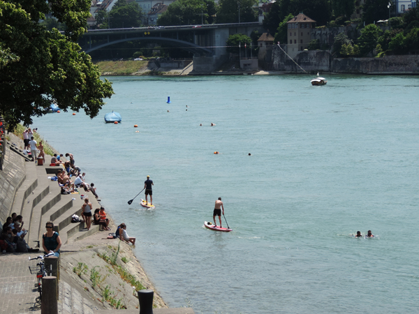Descente du Rhin et baignade à Bâle