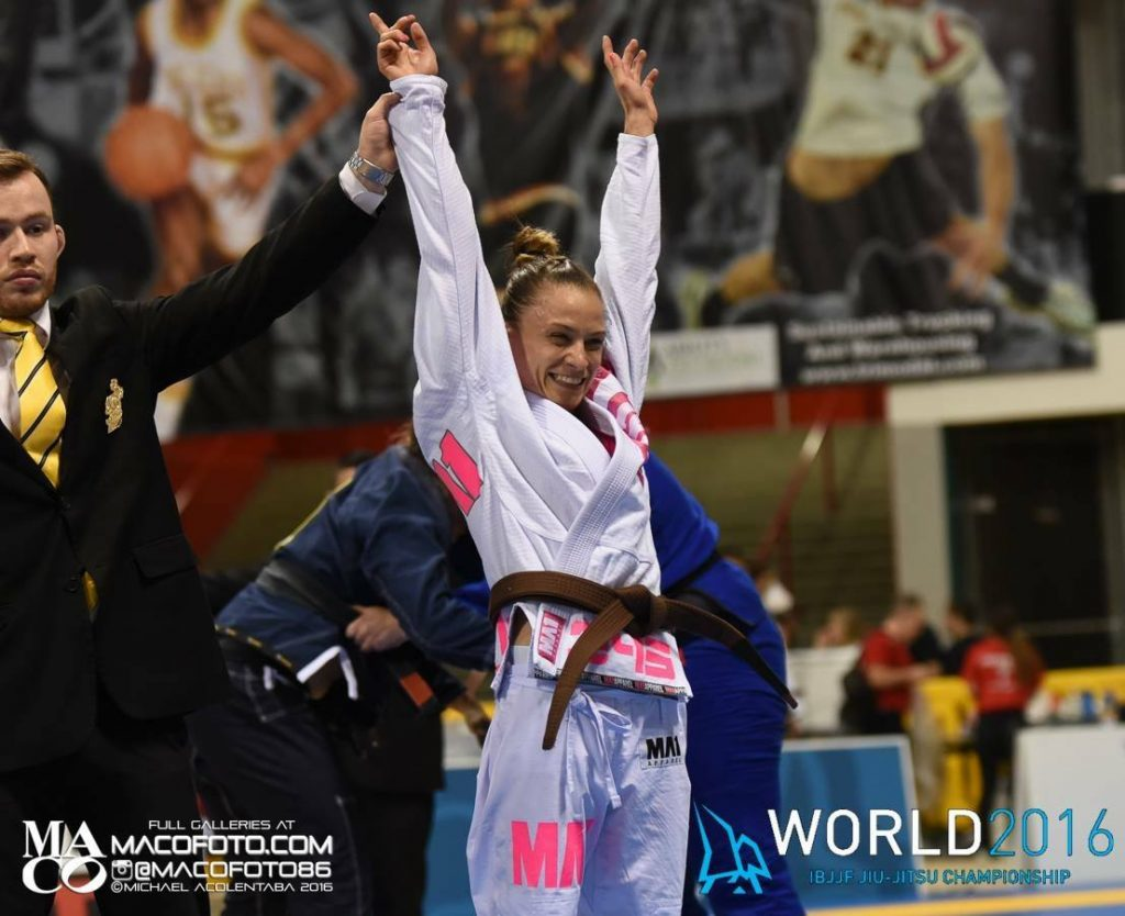 Livia Gluchowska bjj world pro 2016 champ